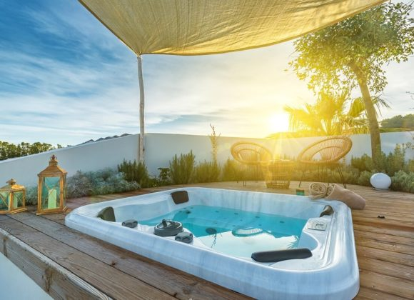 foto suite piscina jacuzzi hotel corte bianca cardedu