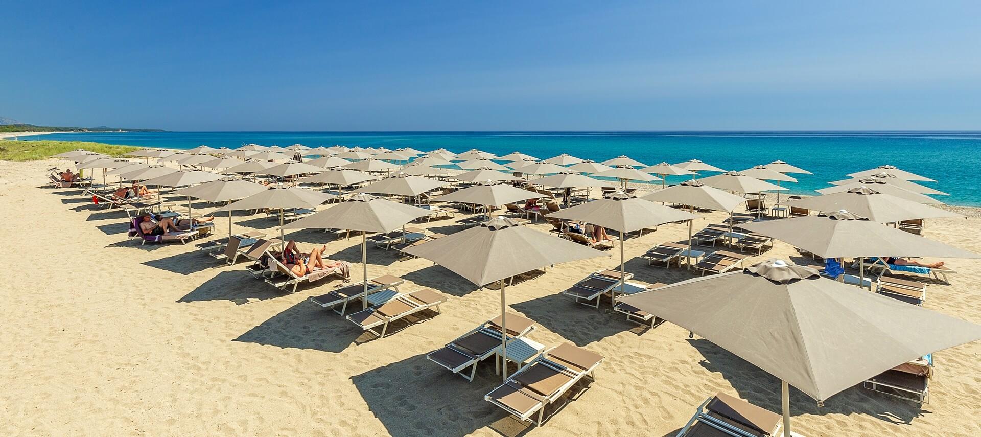 hotel_resort_sulla_spiaggia_cardedu_01